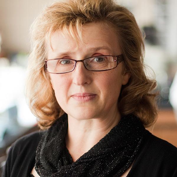 Eva Sapi, Phd