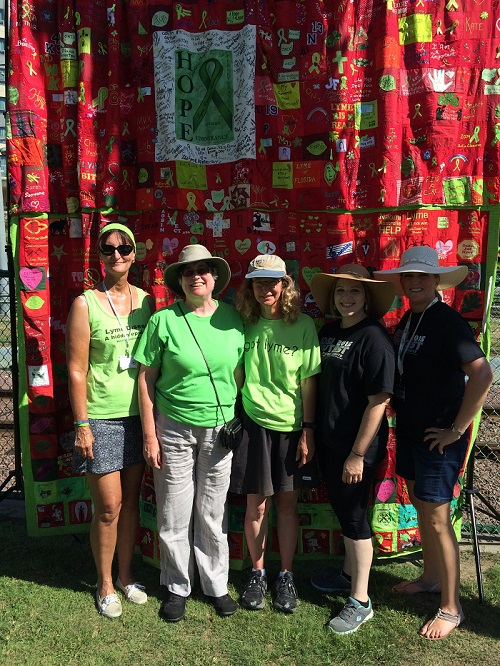 organizers in front of Lyme quilt