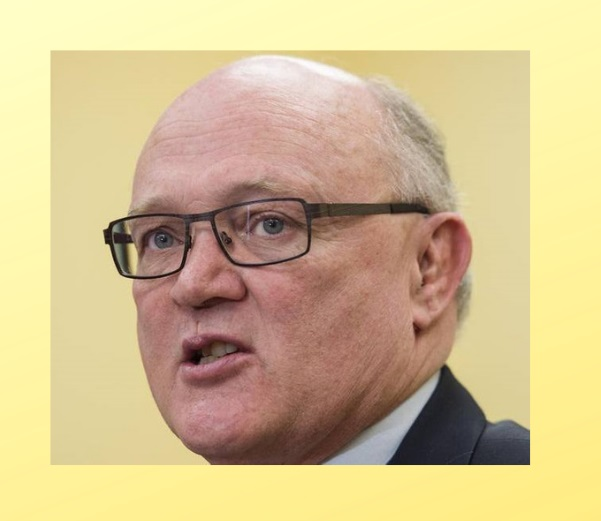 Dr Robert Strang